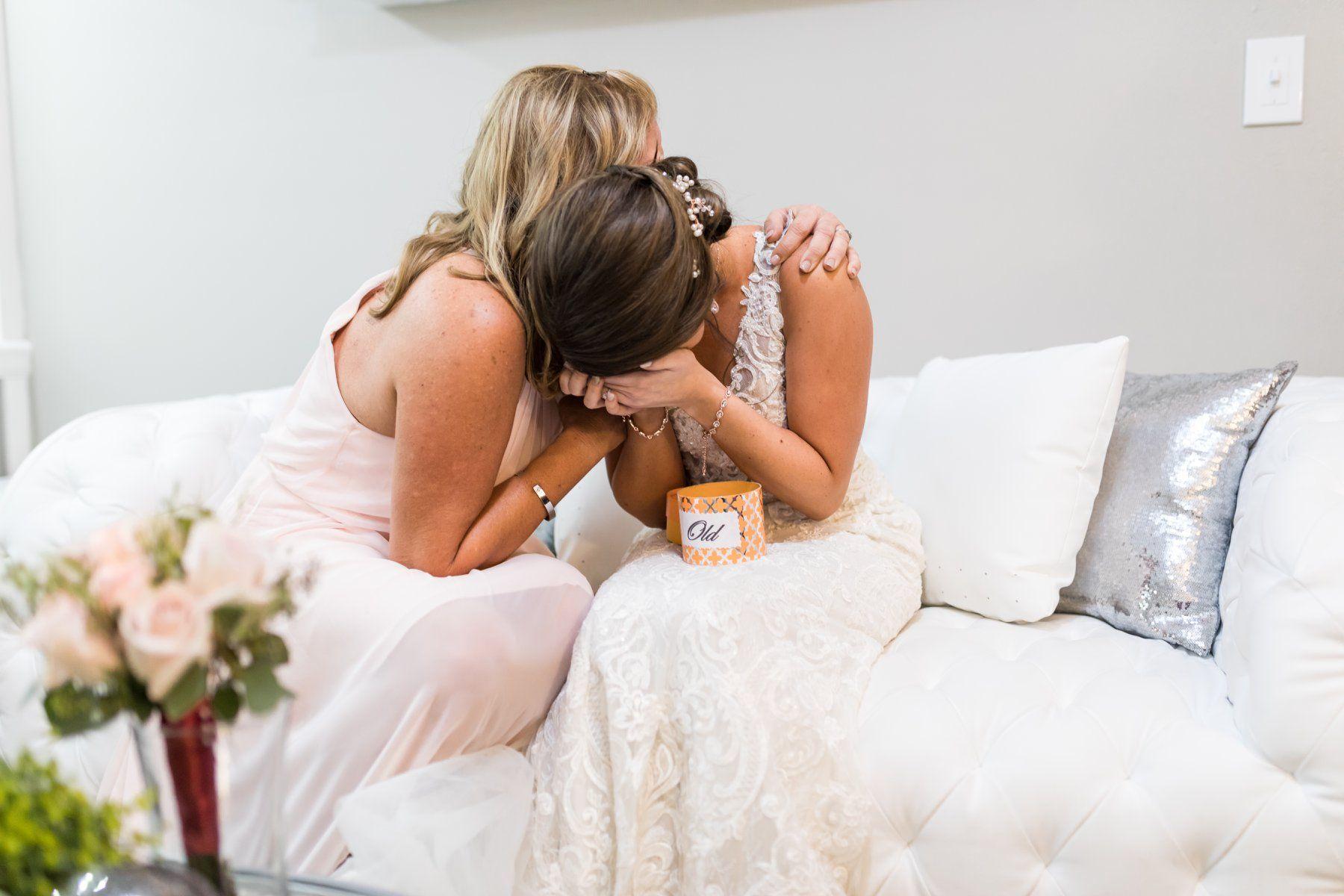 0 bridal suite fleur de lis